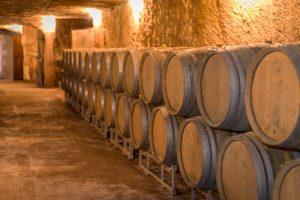 Domaine de la Perruche - Barriques servant à l'élevage du vin